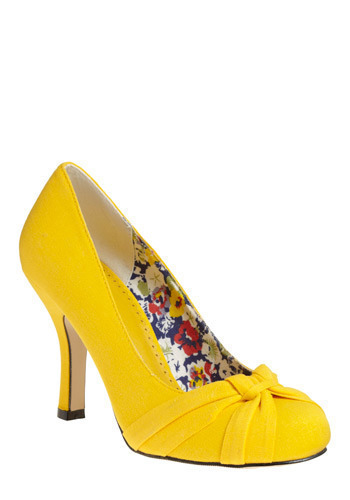 Yellow Dreams in Shoes